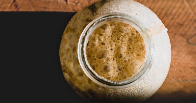 Kiszenie żuru – jak zrobić domowy zakwas na żurek